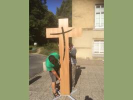 croix en hêtre, croix en bois, croix en chêne, croix à poser au sol